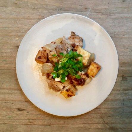 鶏肉と厚揚げの梅肉焼き