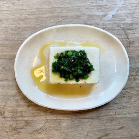 豆腐のニラオイルソース